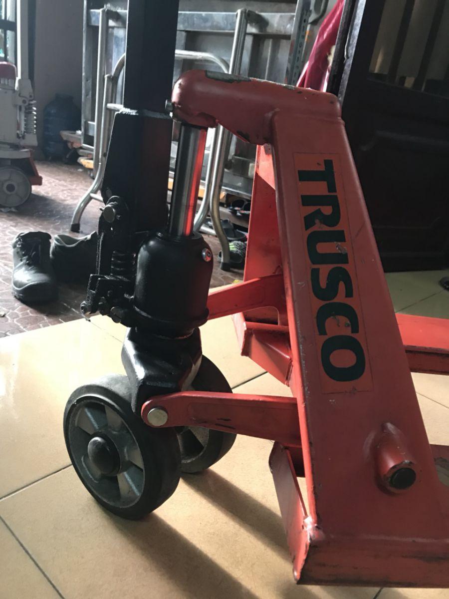 Hình ảnh xe nâng tay cũ Trusco